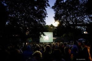 A 2011 Floßkino screening. Photo via bootschaft.org